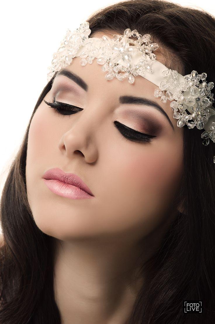 Combinación de sombras en marrón para un maquillaje para morenas perfecto