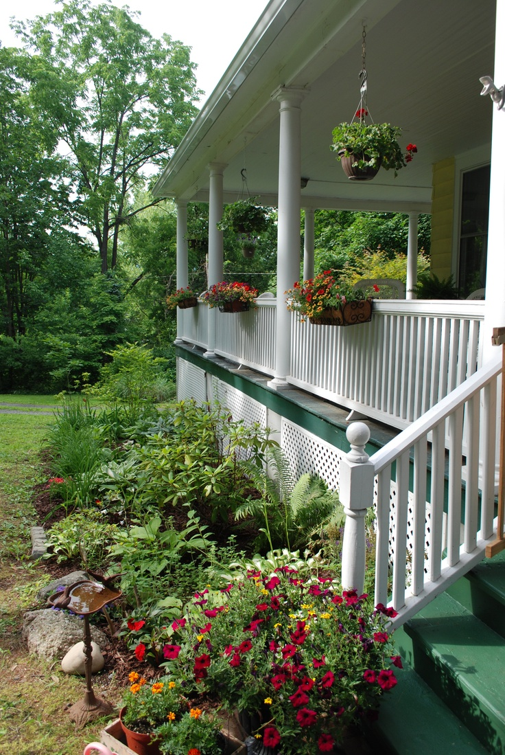 36 best images about front porch gardening on pinterest for Front porch landscaping plants