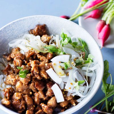 Taste Mag | Coconut-and-ginger pork mince with sriracha and noodles @ http://taste.co.za/recipes/coconut-ginger-pork-mince-sriracha-noodles/