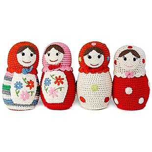 Crocheted Russian dolls. (Need to use Google Translate to figure out the pattern...it is on a Dutch message board...in two parts.) Very cute. I am going to give these a try!!!