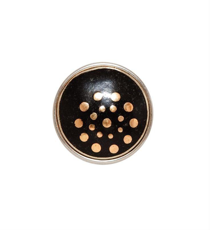 Noosa Amsterdam chunk Polka Dots. Het Nederlandse Staphorster stipwerk werd gebruikt om sobere kleding op te vrolijken. Deze Polka Dots staat daarom ook symbool voor positiviteit - NummerZestien.eu