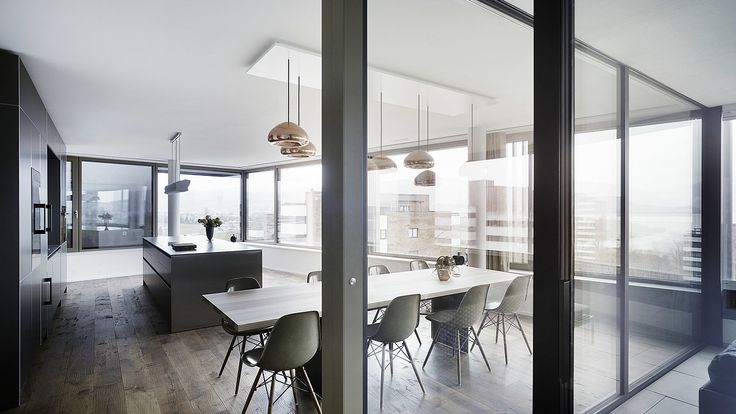 Schiebefenster von air-lux ermöglichen einen fliessenden Übergang von Innen nach Aussen. #architektur