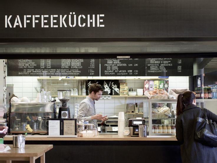 Die kaffeeküche, direkt im Jonas Reindl gelegen, genießt den Ruf den besten Kaffee in Nähe zur Uni Wien anzubieten. Sie richtet sich vorallem an die To-Go Kundschaft, wir wollten dennoch einen genaueren Blick darauf werfen und haben die kaffeeküche deshalb einem Review unterzogen.