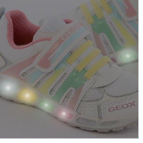 Pantofi si adidasi cu leduri copii de la 40 lei
