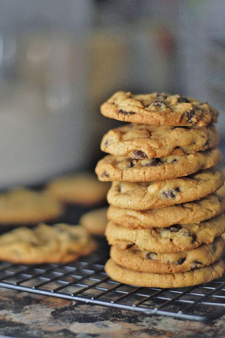The Art of Comfort Baking: Crispy Chocolate Chip Cookies