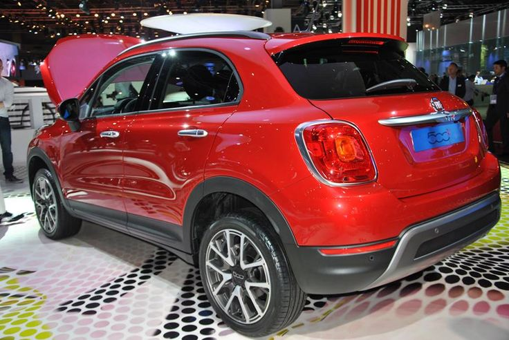 """The New Fiat 500X has arrived! Presented at Paris Motor Show in the world premiere, the new born marks the evolution of the brand and technology in a new dimensions: with distinctive, elegant """"Made in Italy"""" style it gathers a substance of a comfort and performance."""