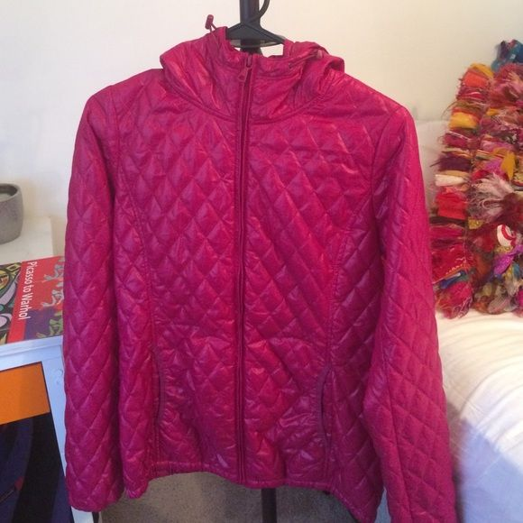 Uniqlo jacket Light, quilted-patterned jacket. Waterproof and light enough for every day use! Like new condition UNIQLO Jackets & Coats Utility Jackets