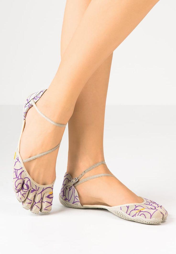 Fitness & Entraînement Vibram Fivefingers VI-S - Chaussures d'entraînement et de fitness - beige/royal purple beige: 80,00 € chez Zalando (au 24/07/16). Livraison et retours gratuits et service client gratuit au 0800 915 207.