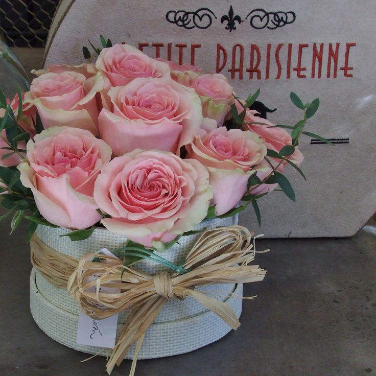 Caja con rosas www.llorensyduran.eu/tienda