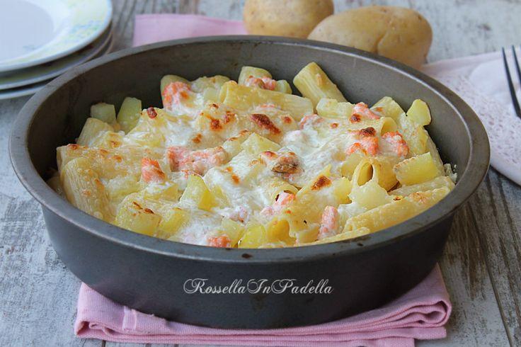 Pasta al salmone, patate e scamorza gratinata al forno