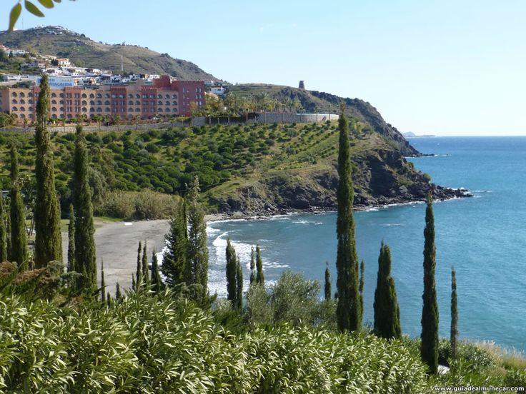 Vistas desde el Parque del Mediterráneo en Almuñécar. Imagen: 1024x768 pixeles. www.guiadealmunecar.com