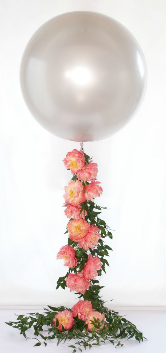 Floral Balloon - Spring wedding idea  spring | spring wedding | pretty | floral | floral spring wedding | outdoor spring wedding | DIY | flower arrangement | wedding | wedding celebration | spring wedding mood board | maternity spring mood board
