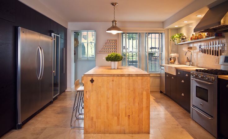 Brooklyn brownstone townhouse brooklyn white wood for Brownstone kitchen ideas