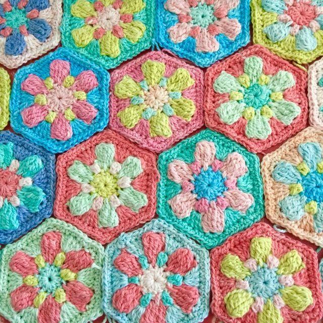 Dotty Flower Hexies