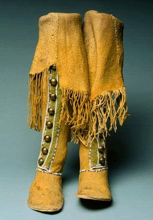 NativeTech: Native American Varieties of Moccasins - Comanche