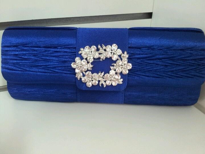 Azul. Azul sobre de fiesta :)