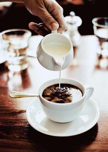 Кулинарное искусство: Рецепты безумно вкусного кофе. 1. Кофе «Горящая лава» Ингредиенты: Кофе, сваренный в кофеварке — 3 ...