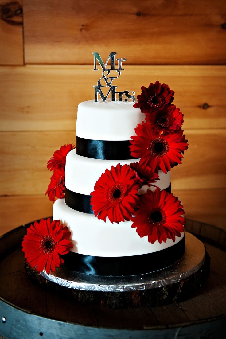 Red Gerbera Daisy Wedding Cake. Wedding cake choice #2