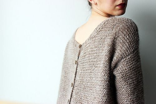 Ravelry: Pull Recto/Verso pattern by Madame Clara