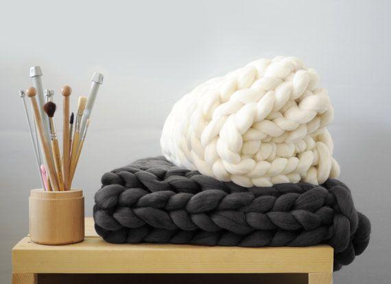 Grande punto. Super chunky Small/Medium blanket. Chunky by Ohhio