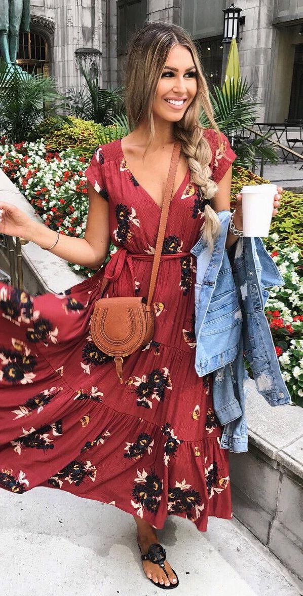 #fall #outfits Rojo Impreso Maxi Vestido + Sandalias Marrones