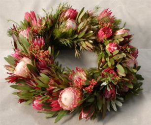 Australian Christmas ideas: At The Kids Are all Right we love this fresh #Christmas wreath made from #Australian flora. http://www.thekidsareallright.com.au - Australian website and forum for #Parenting #Teenagers.