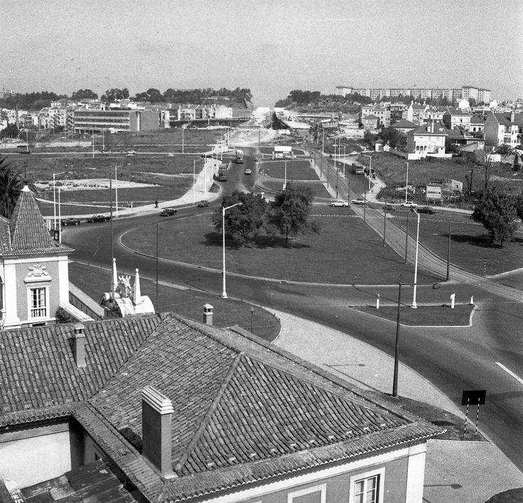 Praça de Espanha, 1973