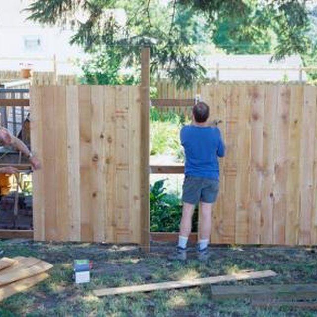 Die besten 25+ Holzzaun installation Ideen auf Pinterest - gartenzaun holz selber bauen