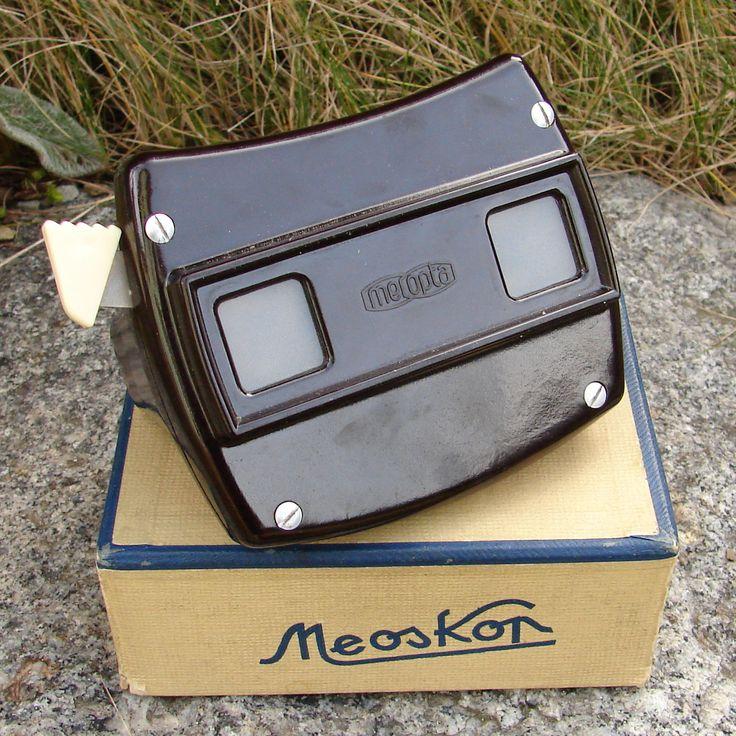 Suvenýr,+suvenýr+z+Říma,+z+Paříže...+-+Meoskop+Retro+prohlížečka+Meoskop,+vyrobeno+společností+Meopta+n.p.+Přerov,+závod+Hynčice.+Prohlížečka+je+v+pěkném+stavu.+K+prohlížečce+je+i+původní+krabička,+která+je+mírně+poškozena.+Prohledněte+si+i+další+hračky.+Poznámka:Odstín+se+může+mírně+lišit+dle+nastavení+Vašeho+počítače.+K+objednávcenad+350+Kč...