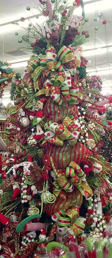 Thinking of doing my Christmas décor in these colors this year, not sure though.