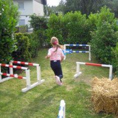 Sprungparcours beim Reiterfest