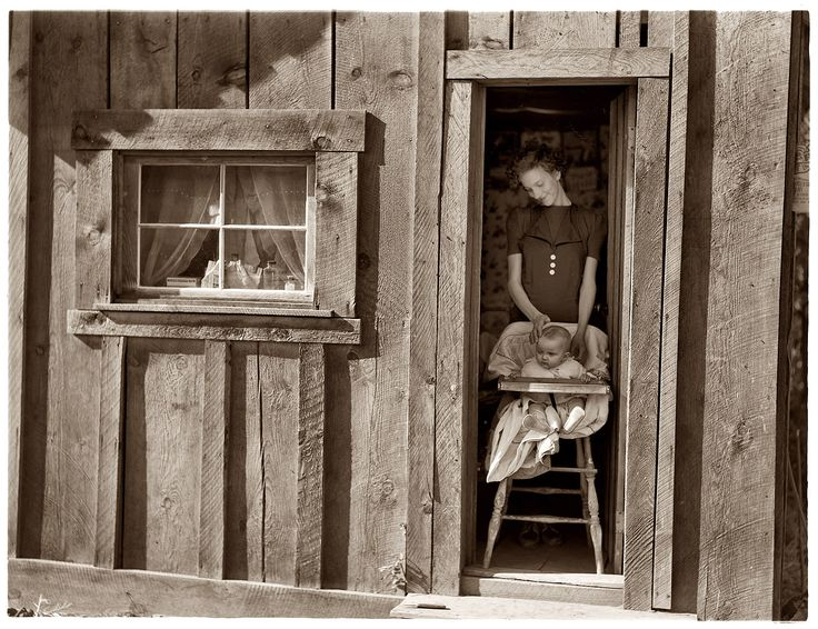 dorothea lange a photographer essay Dorothea lange was a photographer whose portraits of displaced farmers during the great depression greatly influenced later documentary photography during the great depression, dorothea lange.