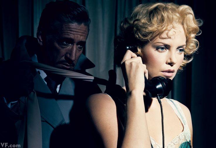 """Charlize Theron retratada por Norman Jean Roy,  recreando la escena de """"Crimen perfecto"""" (1954) de Alfred Hitchcock. Vestuario de la película: Edith Head"""