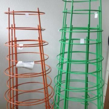 Heavy Duty Colored Tomato Cages Functional And Cute 640 x 480