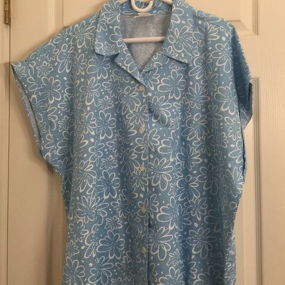 Blair blue and white short sleeve button-down top This pretty blue and white top is just in time for spring. Very cute. Excellent condition. Blair Tops Button Down Shirts