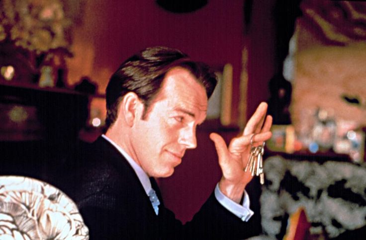 BEDROOMS AND HALLWAYS, Hugo Weaving, 1998 | Essential Film Stars, Hugo Weaving http://gay-themed-films.com/film-stars-hugo-weaving/