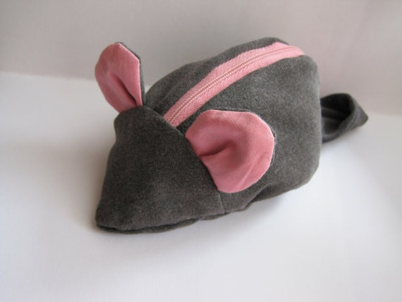 Mouse coin purse by NewLifeBags on Etsy, $17.00