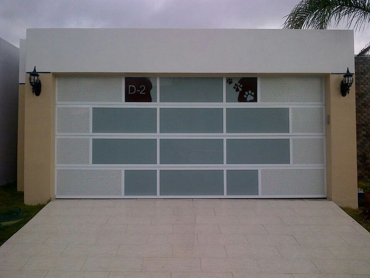 17 best images about puerta seccional on pinterest bespoke a 4 and modern front door - Puertas para garages ...