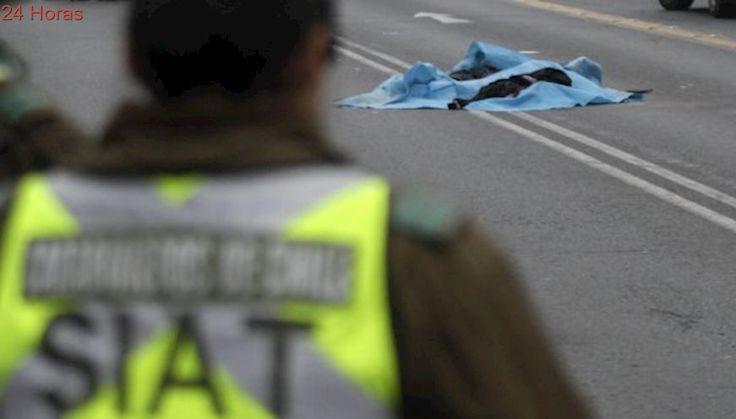 Un fallecido deja choque frontal entre autos en ruta que une Linares con Yerbas Buenas