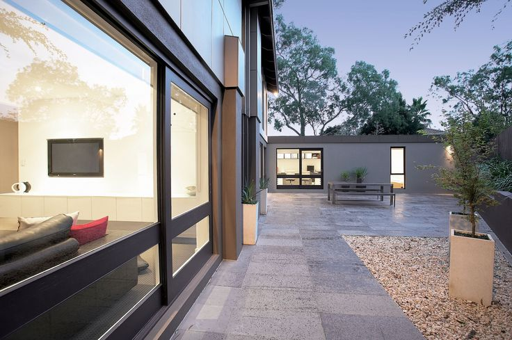 Design Danni Brown | Sundowner Court | Rear Garden | Bluestone | Pots | Senkaki Acer  Maple