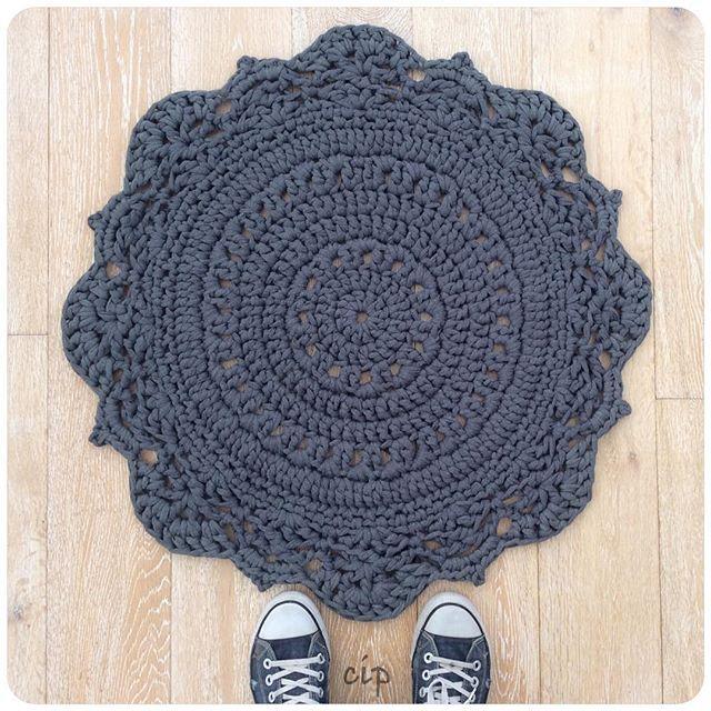 crochetinpaternoster crochet rug                                                                                                                                                      Más