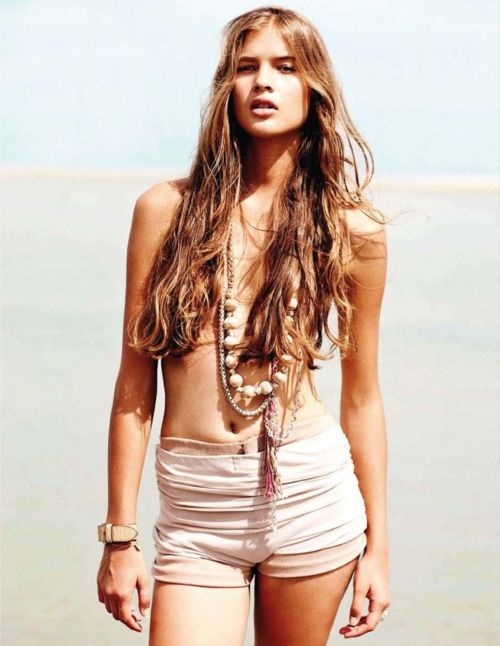 Beach hair 101: tips for growing long hair