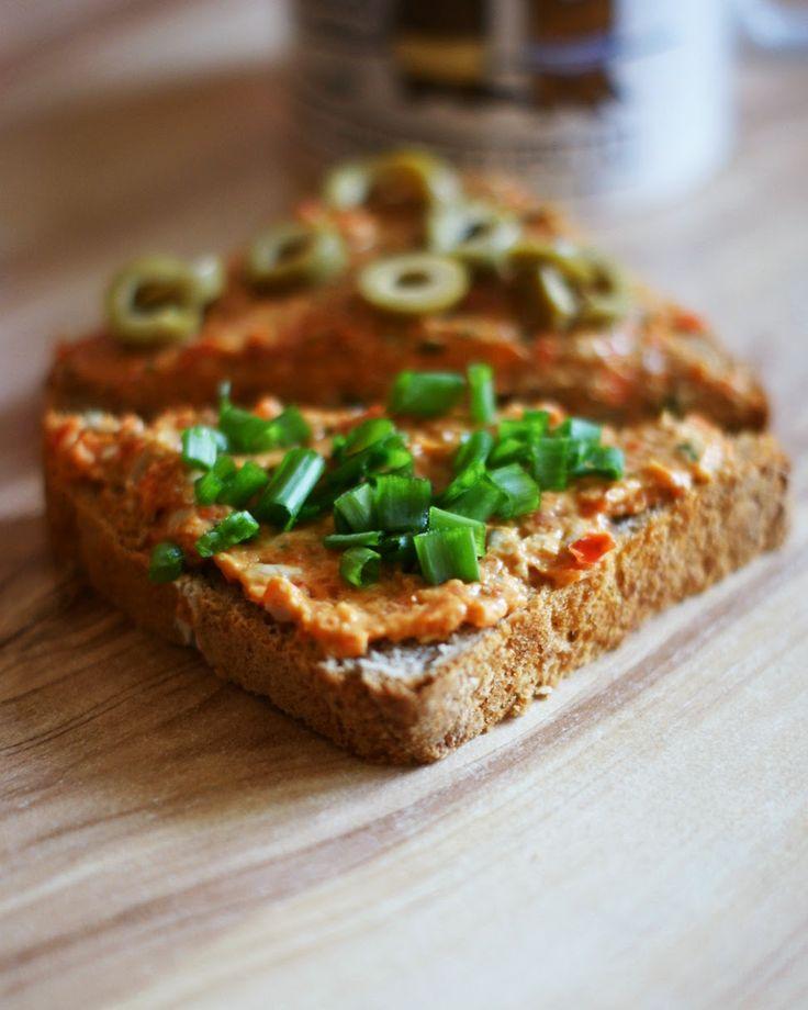 Zielone Love: Pasta z surowej papryki i awokado