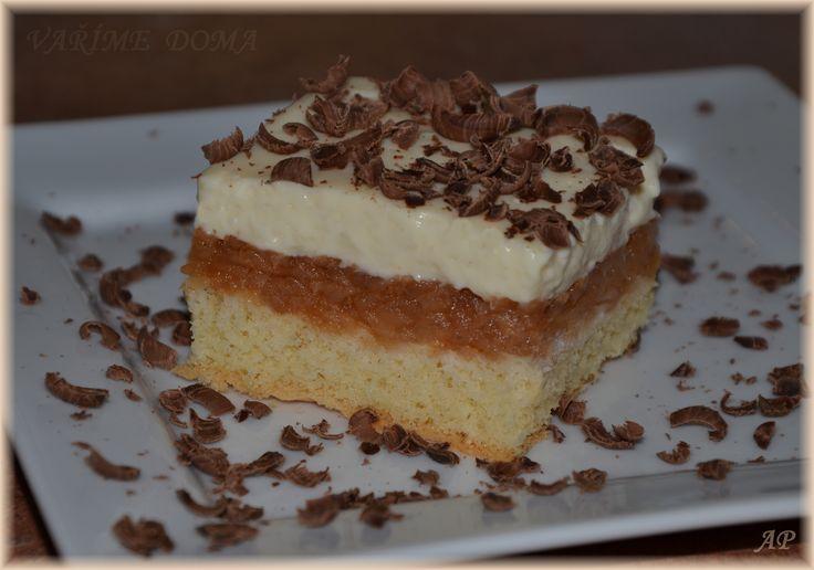 Jablkový koláč s pudinkem