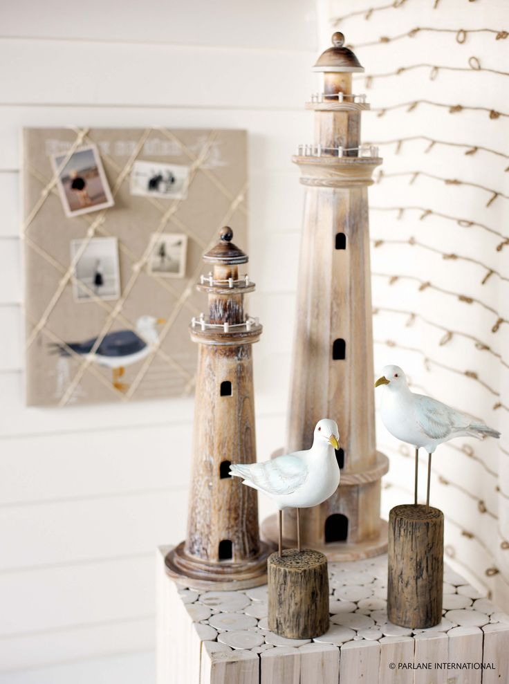 Our lighthouse ornament is an excellent gift to anyone who lives by the seaside or loves nautically themed items.