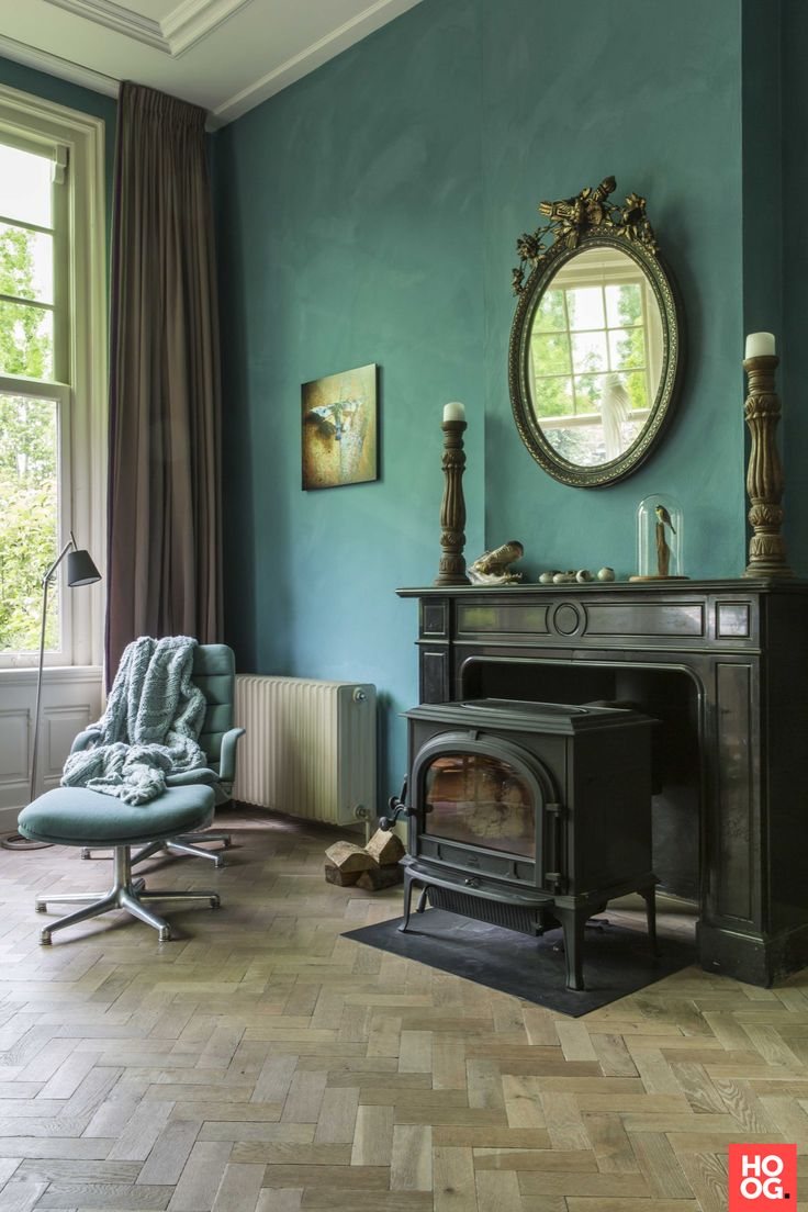 London flat goes all in on color and whimsical decor