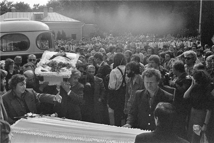 Ю.Любимов, Ю.Смирнов. Ваганьково, 28 июля 1980 года.<br />