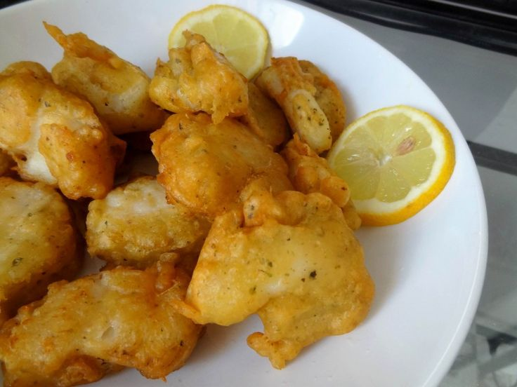 Beignets de poisson Voici une recette de beignets de poisson très rapide à faire. Il existe des centaines de façon différentes de faire des beignets de poisson et je me suis inspirée de la pâte que faisait ma nounou japonaise : Tomi san. Mais ses beignets étaient non pas des beignets de poisson mais des beignets