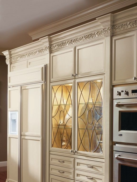#Decorau0027s Beautiful Kensington Art Glass Doors Add A Bit Of Character To  This Cabinet With