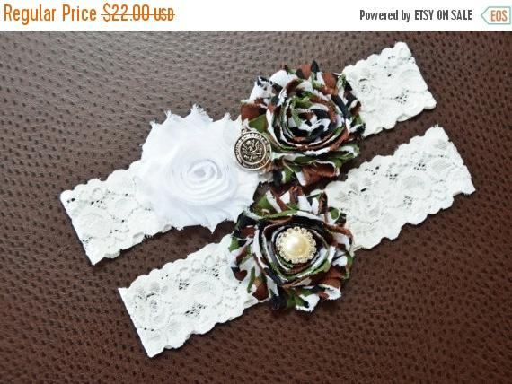US Army Wedding Garter Set, Army Bridal Garter Set, United States Army, White Lace Wedding Garter, Camo Garter, Army Garter, Camouflage Looking for a certain combination of colors/ theme? Please, do not hesitate to message me. We are here for you. With over 100 color variations and